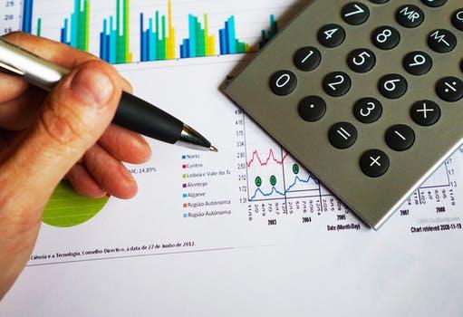 Sujeción al IVA de los servicios prestados por un profesional